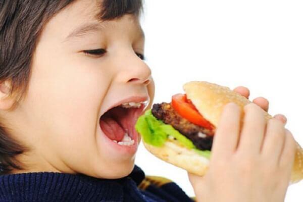 Chăm trẻ - Không nên cho trẻ ăn nhiều những loại thực phẩm này